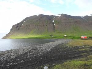 Skalavik, ein Juwel von einer Bucht in den Westfjorden, Geburtsort der Eismalerin.