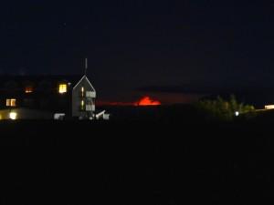 Blick von Skutussstadir zum nächtlichen Vulkanglühen. 12.09.2014