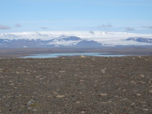 Fantastische Sicht bei noch gutem Wetter auf den Hofsjökull von der Sprengisandur Hochlandstrecke. 28.08.2015