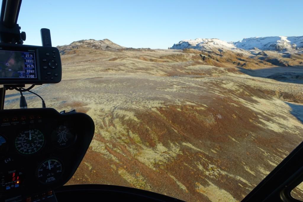 Im Helikopter Islands einigartige Natur von oben kennen lernen 09.11.2015