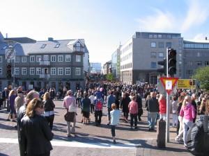Während der Kulturnacht hat es besonders viele Leute in Reykjavik. 20.08.2011