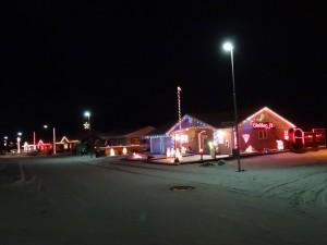 Weihnachtsbeleuchtung in einer Strasse Vogars. 02.01.2015