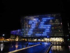 Das Konzert- und Kongresshaus Harpa vor dem Jahreswechsel. 31.12.2015