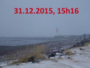 Der Leuchtturm verschwindet nur 12 Minuten später fast im Schneesturm.