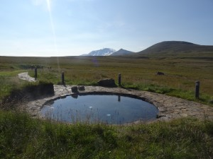 Der wunderbare Pool beim Highlandhostel Laugarfell. 01.09.2015