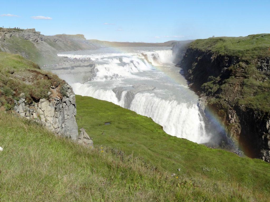 Der goldene Wasserfall Gullfoss ist ein beliebtes Touristenziel. 12.08.2013